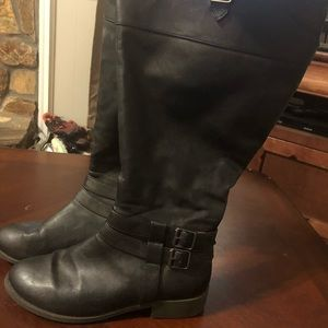Tall black boots size 7.5 Wide